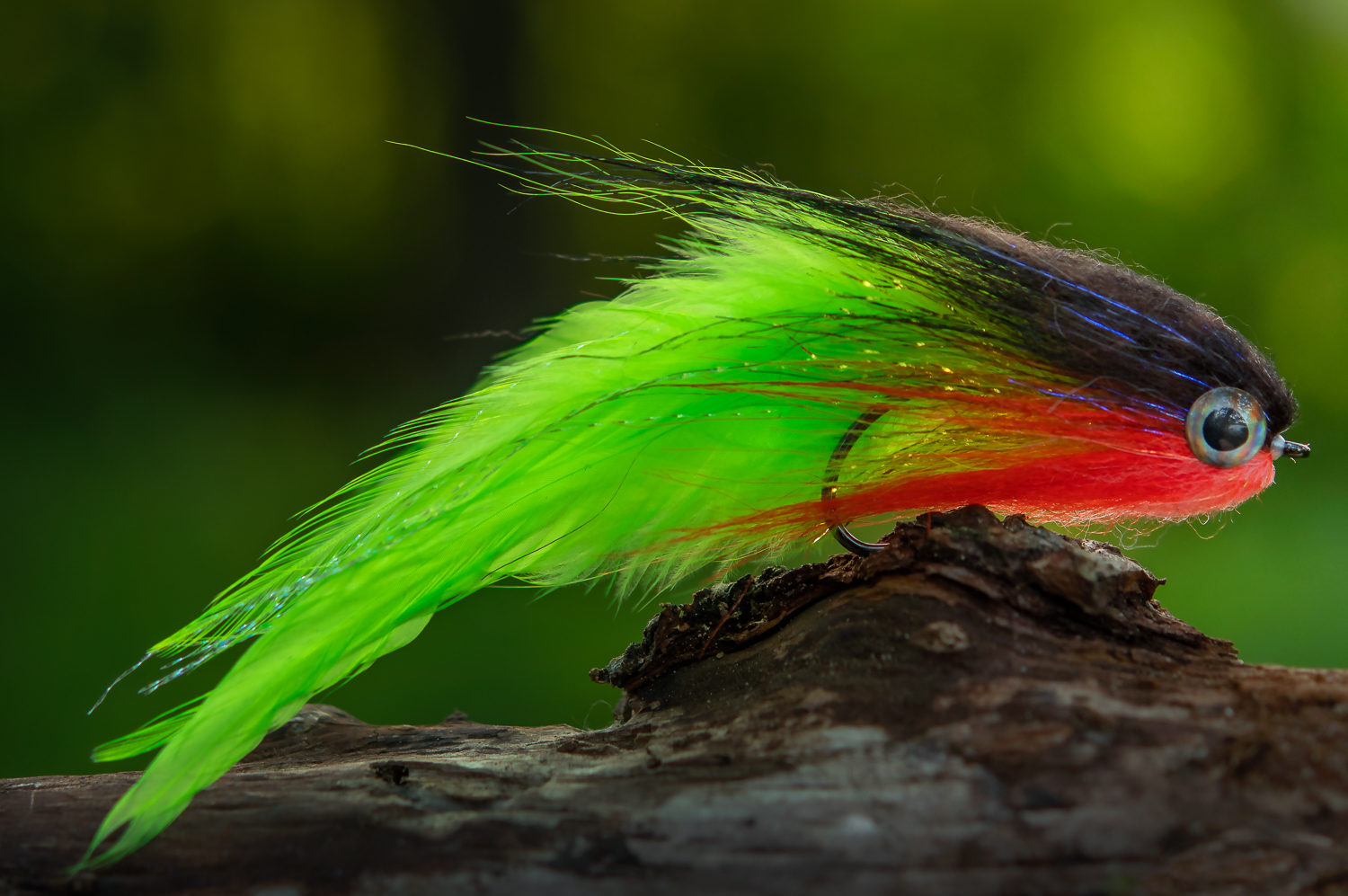Chartreuse Tailed SJ Deceiver tied by Simon Johansson